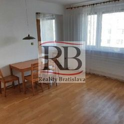 Na prenájom praktický byt v Starom meste v Bratislave na Mozartovej ulici