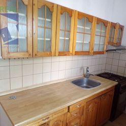 BV REAL Na predaj 3 izbový byt 66 m2 s balkónom Prievidza FM1103
