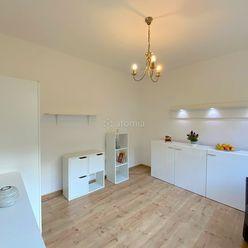 Pekný 1 - izbový byt po rekonštrukcii je pripravený pre Vás na nasťahovanie - odporúčame !!