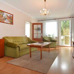 PREDAJ - slnečný 3 izbový byt 68 m2+ balkón v komornej  bytovke, Družstevná ul., Bernolákovo