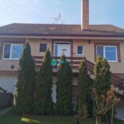 Rodinný dom v obci Ňárad na úžastnom pozemku s parkovou úpravou!!!!