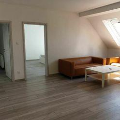 PRENÁJOM - Priestranný byt alebo office - Nitra, Centrum
