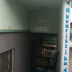 Prenájom: Obchodný priestor širšie centrum pri nemocnici