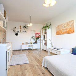 HERRYS - Na prenájom pekný zrekonštruovaný 1,5 izbový byt so šatníkom v tichej a zelenej lokalite Dú