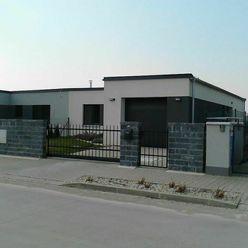NA PRENÁJOM: Novostavba 4 izbový zariadený dom s garážou a záhradou na Kamennej ceste !
