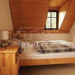 Exkluzívny predaj rekreačnej chaty na pozemku 630m2 pod Donovalmi, 630m2.