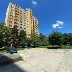 1 izbový byt v tichom a kľudnom prostredí  Bratislava IV Dúbravka