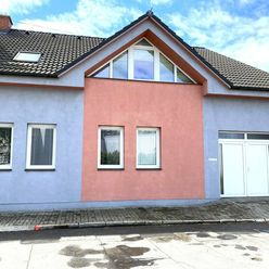 Directreal ponúka Rodinný dom s veľkou garážou v blízkosti centra mesta