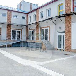 Budova s kancelárskymi priestormi,/936m2/, Žilina