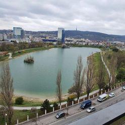 Predaj MODERNÝ 2izb.byt s balkónom (10m) KOLOSEO výhľad na KUCHAJDU