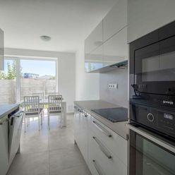 Moderný 5-izbový rodinný dom na skok od Bratislavy, novostavba, možnosť dokončenia na kľúč