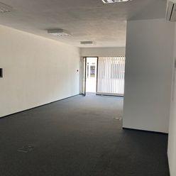 obchodné - kancelárske priestory na prízemí