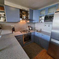 Directreal ponúka Výborne dispozične riešený 3-izb byt na začiatku Mierovej ulici.