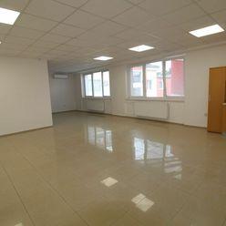 prenájom veľkorysý kancelársko-obchodný  priestor na Hospodárskej ulici v centre Trnavy.