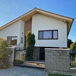 BONIT REAL - Ponúkame Vám na predaj exkluzívny  RD v centre obce Viničné