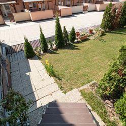 Apartmán za skvelú cenu v lukratívnej časti priamo pod Tatrami na predaj !!!