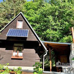 REALITY COMFORT - krásna záhradná chatka s pozemkom 276 m2