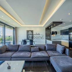 Slnečný a priestranný dvojizbový byt na Kolibe s terasou