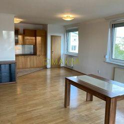 priestranný 4 izbový byt v atraktívnej lokalite na Drotárskej ceste, 2 parkovacie miesta v cene