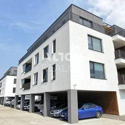 Rezervované - Krásny 2 izbový byt v novostavbe na Piesku.