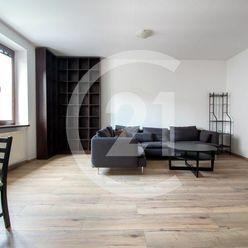 PROVIZIU NEPLATITE - NA PRENAJOM 3 IZBOVY BYT 91 m2, SPITALSKA ULICA, STARE MESTO