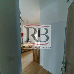 Na prenájom 2i byt na rohu Radlinského s Vazovovou ulicou, BAI