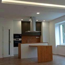 Na predaj luxusný 3 izbový tehlový byt 90m2, v peknej lokalite, Komárno