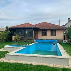 Predám krásny dom s bazénom a veľkým pozemkom
