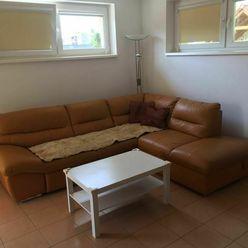 Prenájom 2-izbový byt s balkonom, Pezinská Ul., Senec