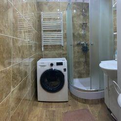 Na PREDAJ 4 izbový kompletne zrekonštruovaný byt v Komárne