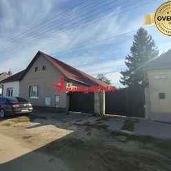 Zrekonštruovaný dvojgeneračný rodinný dom v centre Sládkovičova