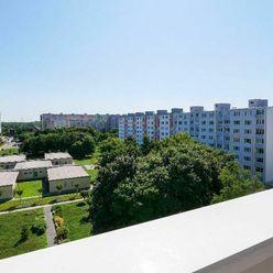 Slnečný 4-izb. byt, Budatínska ulica, Bratislava - Petržalka. Bez provízie RK.