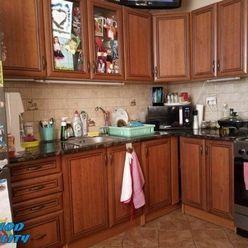 Na predaj - predáme 3-izb. byt s balkónom, V. Kapušany