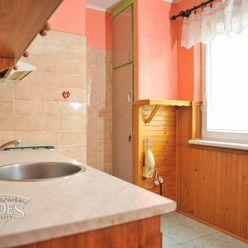 BEDES | 2 izbový byt, 56m2, pôvodný stav, 2p/4p, Dr. Jánskeho – ZH