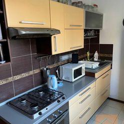 Prenájom zariadeného 2-izbového bytu, ul. Hronská, BA II - Podunajské Biskupice