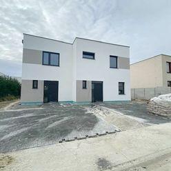 Dokončený  4 izbový rodinný dom v obci Hrubá Borša, Okružná ulice