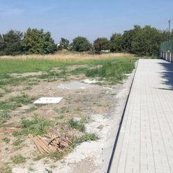 Na predaj ideálny stavebný pozemok na začiatku Lozorna.