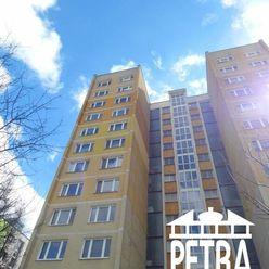 PREDAJ : 3 izbový veľký byt typ ''U'' v Banskej Bystrici, časť Sásová