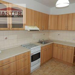 REZERVOVANÉ-MASTER REAL-Na Predaj 4 -izbový veľkometrážný byt, 84 m2, okres Prievidza, Zapotôčky