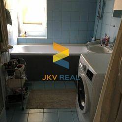 JKV REAL ponúka na predaj pekný 2 izbový byt po kompletnej rekonštrukcii na Nobelovej ulici za 17000