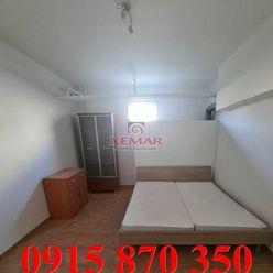 Ponúka ubytovanie pre minimálne 8 osôb v 3 izb. byte v Banskej Bystrici