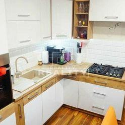 2-izbový byt s veľkým balkónom v širšom centre, Žilina 55m2