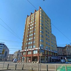 Bratislava ako na dlani – 4 izb. byt v legendárnom Manderláku, Nám. SNP