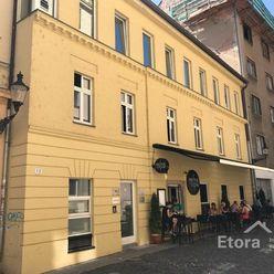 Na prenájom lukratívne obchodné alebo kancelárske priestory v Bratislave – Staré Mesto  11,45€/m2.