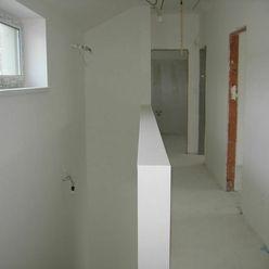 OLYMP - SKOLAUDOVANÝ a nový, tehlový 4-izb. RD s pozemkom 331 m2 v Marianke na Lúčnej ul.