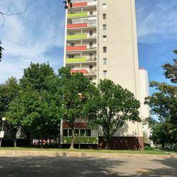 PRENÁJOM - 3 izbový byt s loggiou, ul. Račianska