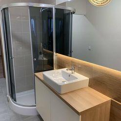 Nový podkrovný klimatizovaný byt s parkovaním v centre. Karpatská ul.