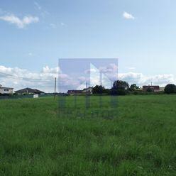 Ponúkame na predaj pozemok pre bytové alebo rodinné domy - 8.060 m2 - Rakytovce