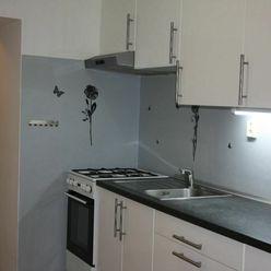 BONIT REAL -  Na prenájom 2-izbový byt s parkovaním centre mesta Pezinok