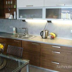 Prenájom pekný 1 izbový byt, ulica Saratovská, novostavba RUSTIKA, moderný, Dúbravka